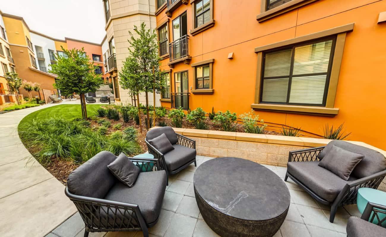 Courtyard Lounge