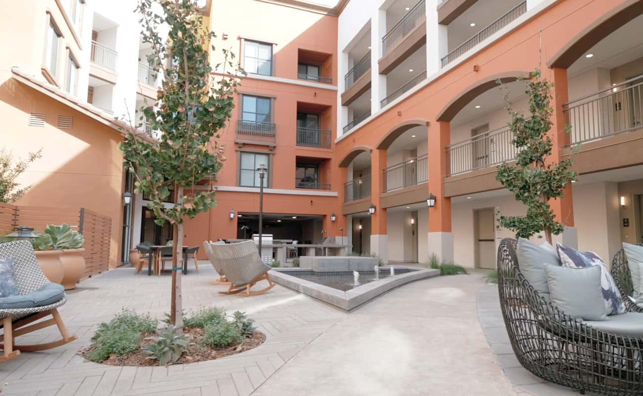 Renaissance Square Video - Courtyard